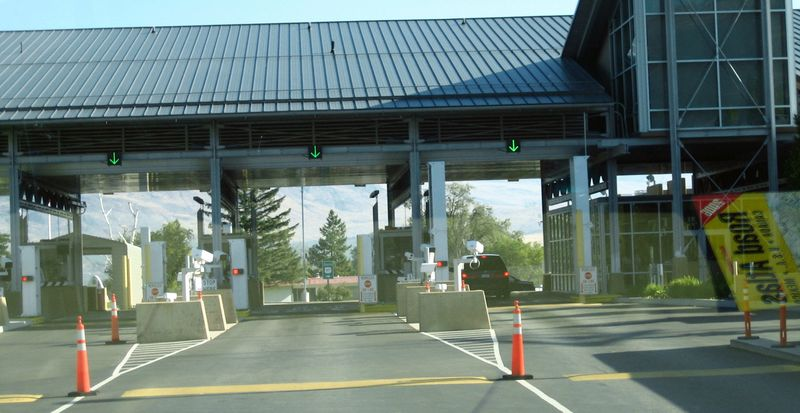 Only one vehicle at the border