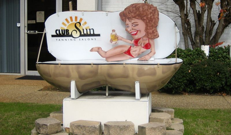 Tan'ya Peanut outside Club Sun