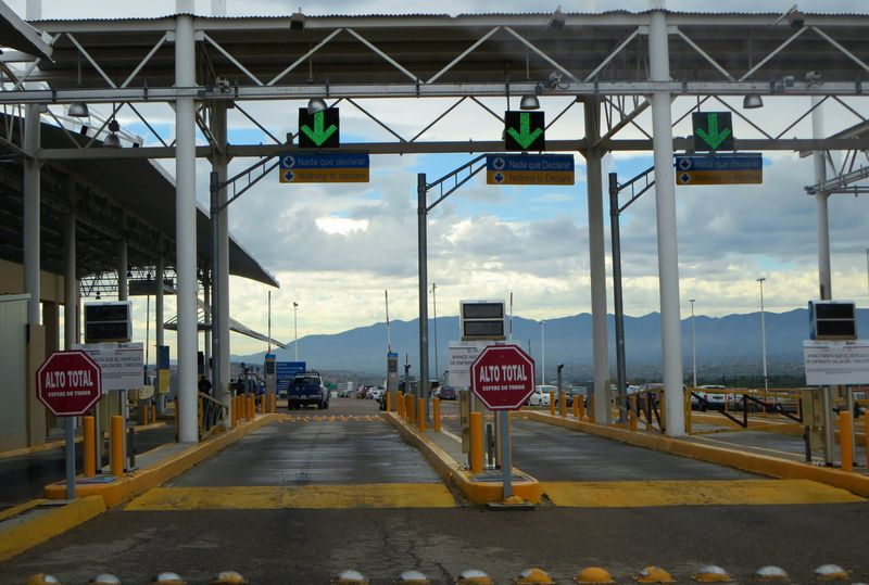 Customs gate